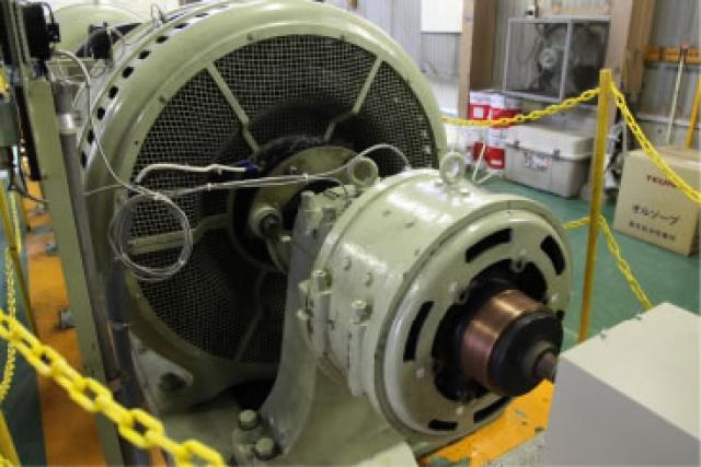 稼働し続けている宮城第一発電所の1号機の発電機