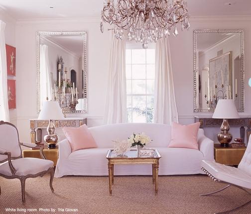 部屋の色味をピンクで統一