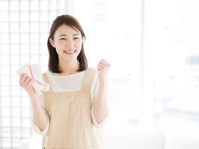"""""""清掃する女性"""""""