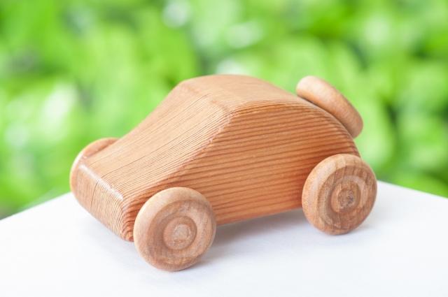 """""""木製の車のおもちゃ"""""""