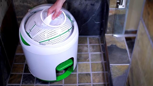 足で踏むだけのエコ洗濯機